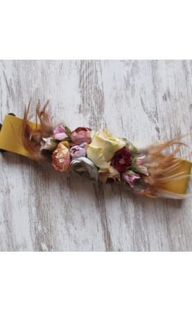 Cinturón flores mostaza...