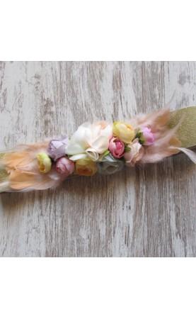 Cinturón flores y plumas...