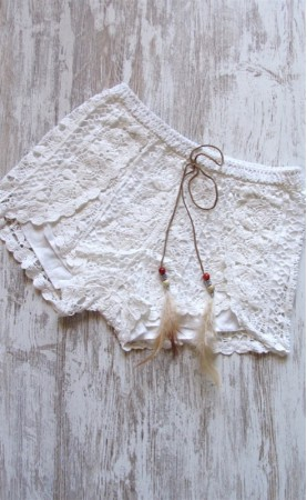 Short crochet plumas SisiChic