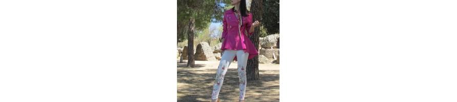 Chaquetas y abrigos muy a la moda de diferentes estilos y gustos.